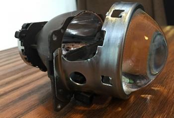 Q5透镜氙气灯
